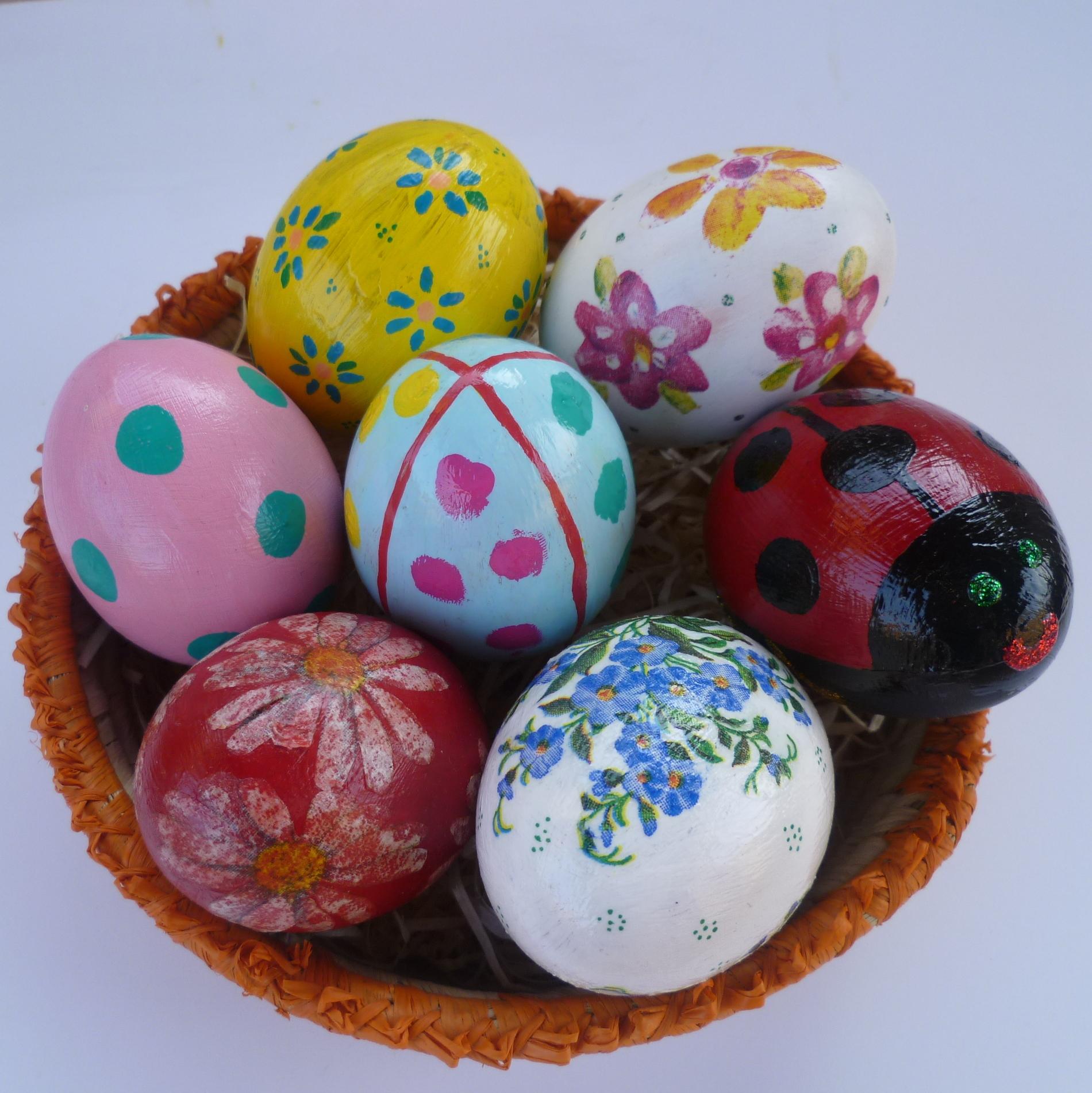 Uova decorate per pasqua creare scout - Uova di pasqua decorate ...
