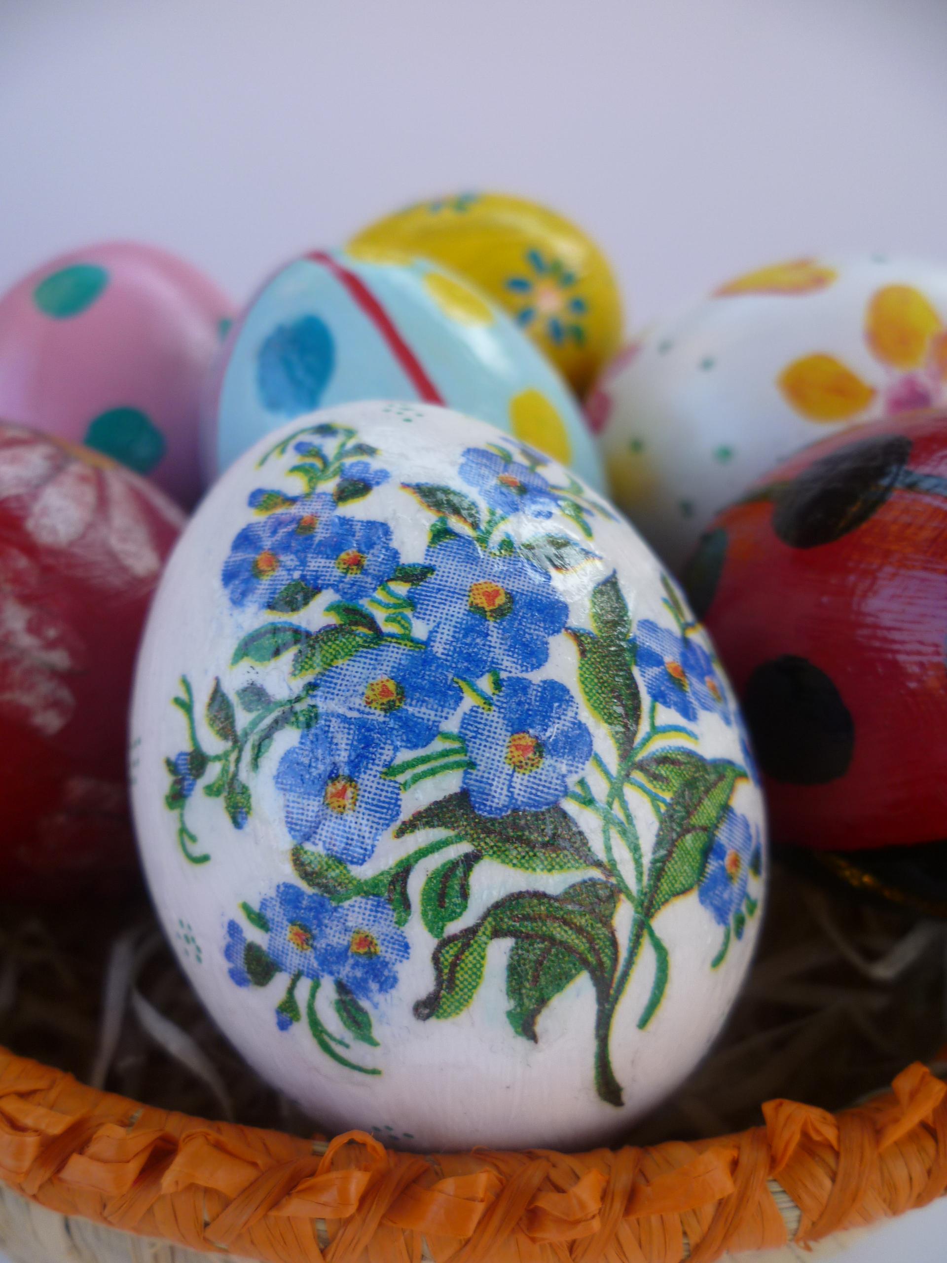 Uova decorate per pasqua creare scout - Uova di pasqua decorati a mano ...